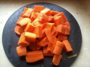 Шаг 2. Нарезка моркови